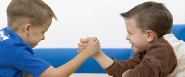 kids arm wrestling